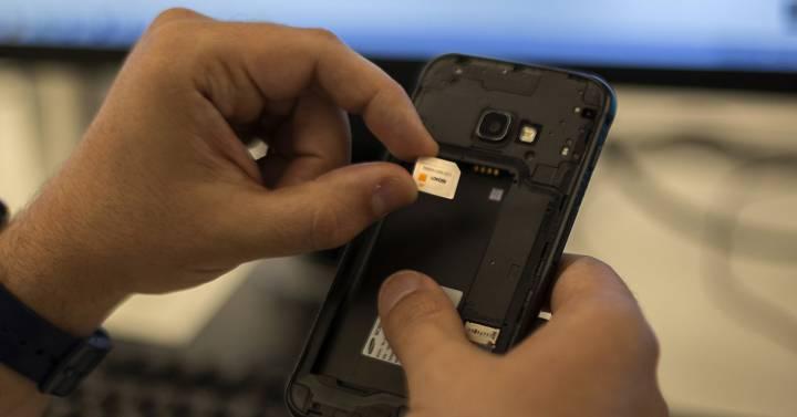 El timo de la SIM duplicada: si su teléfono hace cosas raras, revise la cuenta bancaria