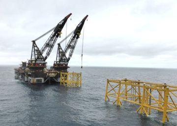 El poderoso fondo de Noruega retira 11.000 millones de los combustibles fósiles y apuesta por las renovables
