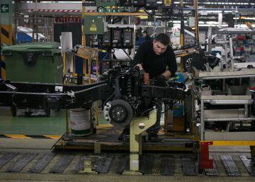 La planta de Nissan en Barcelona dejará de fabricar la ?pick up? de Mercedes