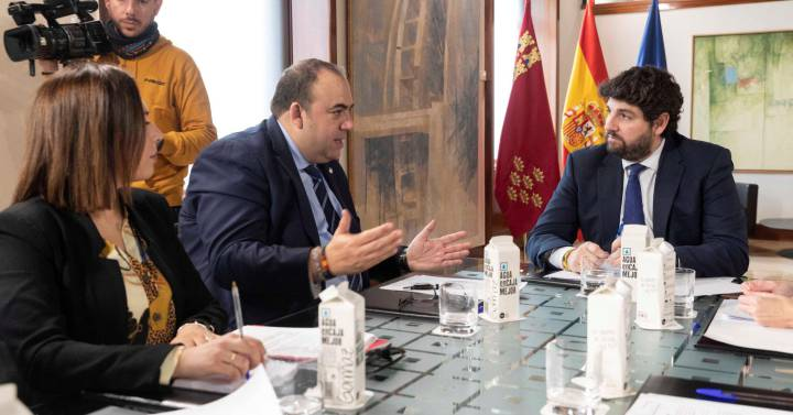 Treasury intervenes payments to Murcia for its late payment | Economy