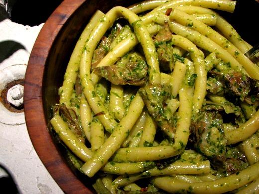 Pasta con alcachofas y pesto de nueces el comidista el pa s for Como cocinar acelgas frescas