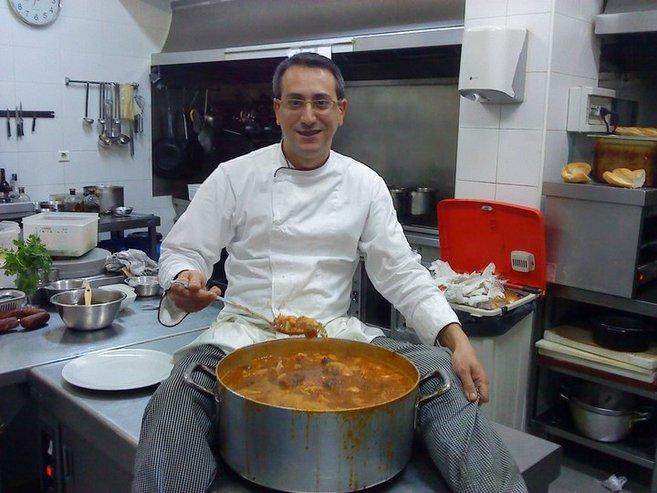 Juanma zamorano el cocinero 39 marichocho 39 antena 3 for Herramientas de un cocinero