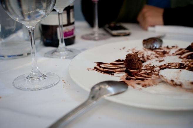 Cosas que nunca debes hacer en un restaurante  cba100cb988e