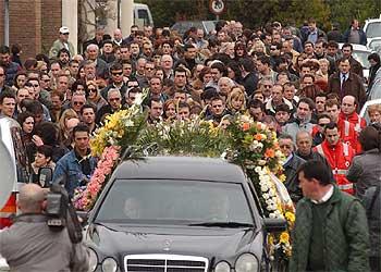 Fotos los entierros del 11 m fotograf a el pa s for Cementerio jardin de alcala de henares