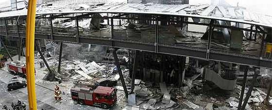 Resultado de imagen de atentado de Barajas (2006).