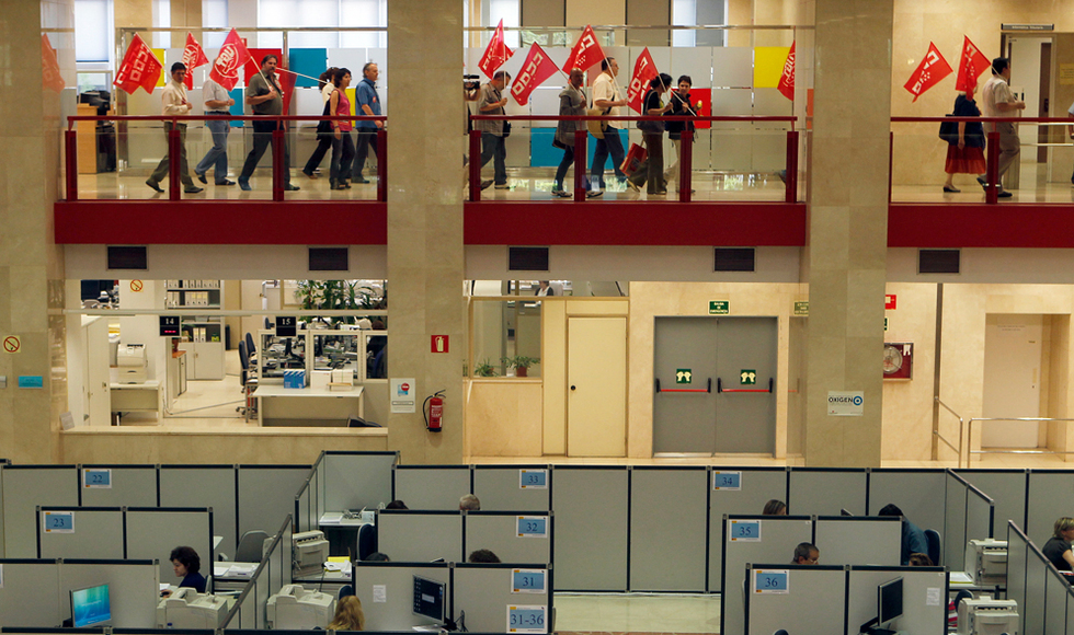 Fotos la huelga de funcionarios en fotos fotograf a for Hacienda barcelona oficinas
