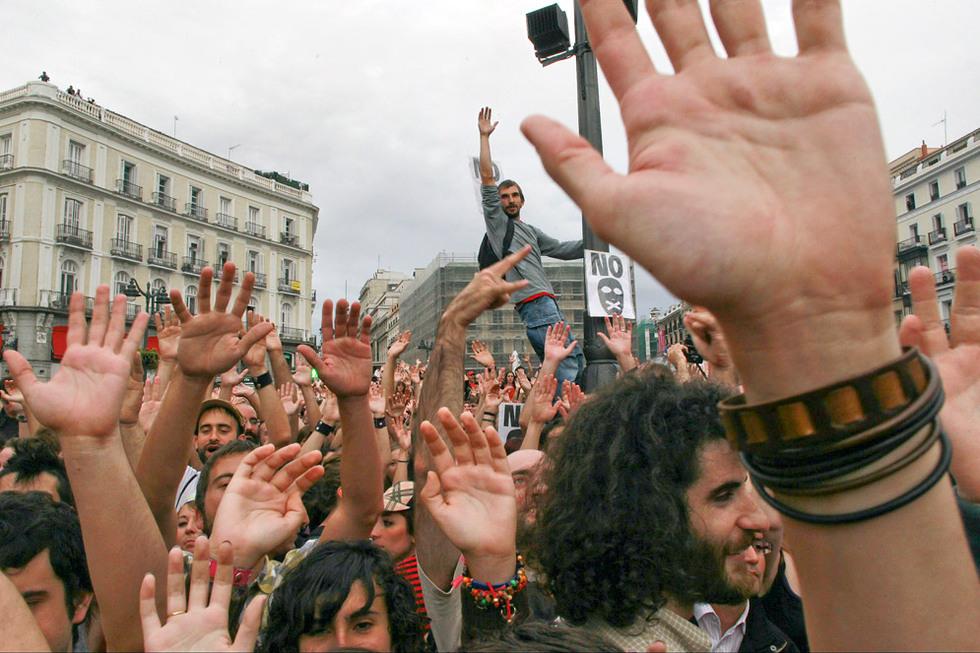 Manifestantes del Movimiento 15-M en la Puerta del Sol.