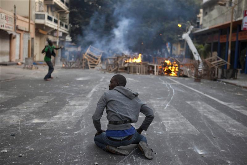"""Résultat de recherche d'images pour """"Sénégal les universités s'embrasent après la mort d'un étudiant"""""""