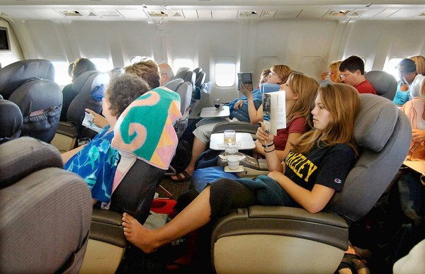 Follando en el avion a la vista de todos - 3 part 9