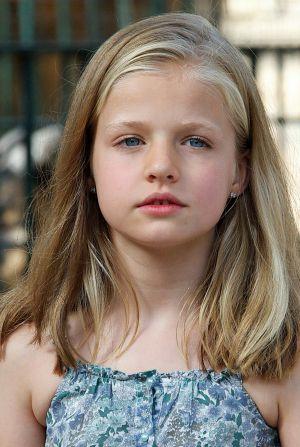 Leonor  niña y princesa  12b07316ec67