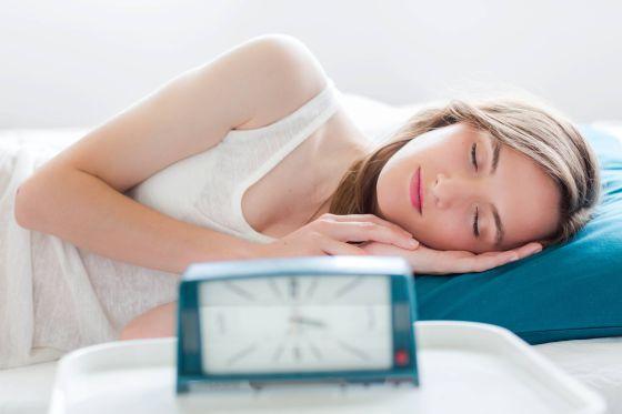 Acostarse A Tiempo Ayuda A Dormir Mejor