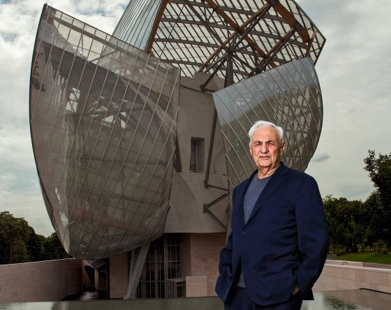 19466a352 Frank Gehry frente a su última creación, el edificio de la Fundación Louis  Vuitton,