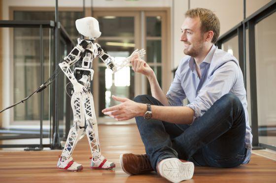 Poppy el robot que se puede construir en casa con una impresora 3d ciencia el pa s - Casa asia empleo ...