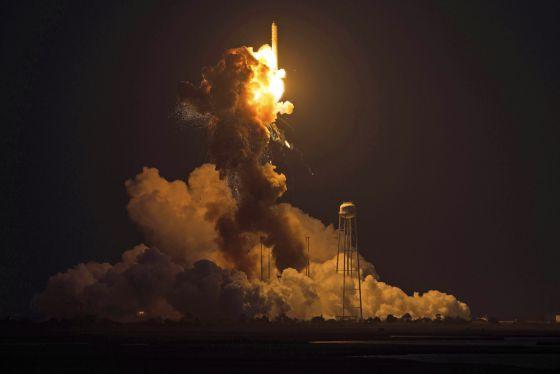La explosión del cohete Antares, un contratiempo en la estrategia de ...