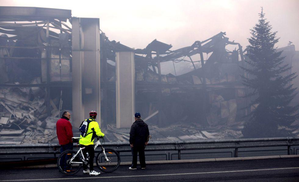 Un incendio devoró la fabrica de Campofrío en Burgos