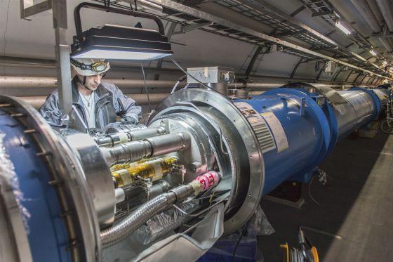 Resultat d'imatges de Los nuevos imanes del LHC