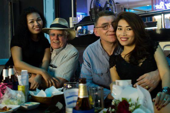 buscando lesbianas asiático servicio de citas