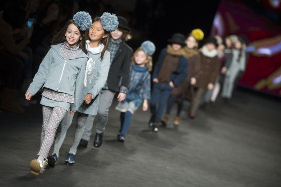 modelos infantiles durante el desfile de cndor en la reciente pasarela de barcelona