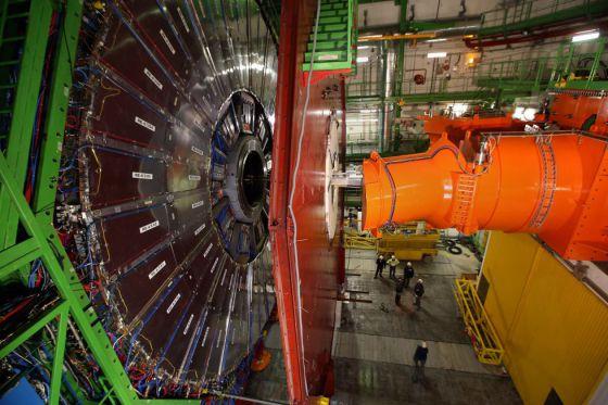 Resultado de imagen de Mientras que el LHC es capaz de producir hasta 1.000 millones de colisiones entre protones cada segundo