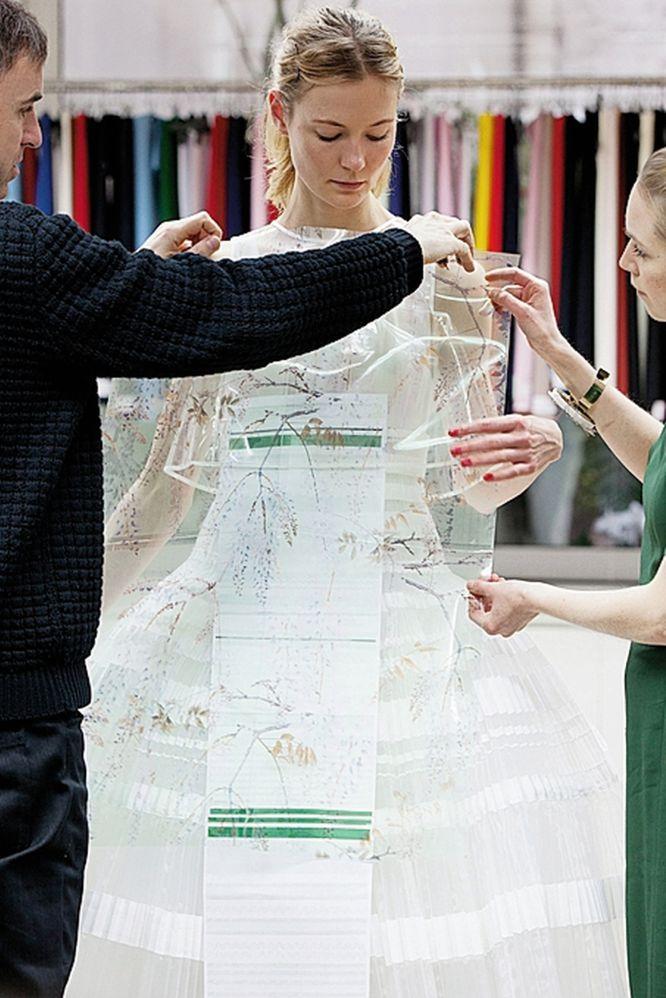 Fotos: Moda y métiers d\'Art: Un vestido plisado de alta costura | EL ...