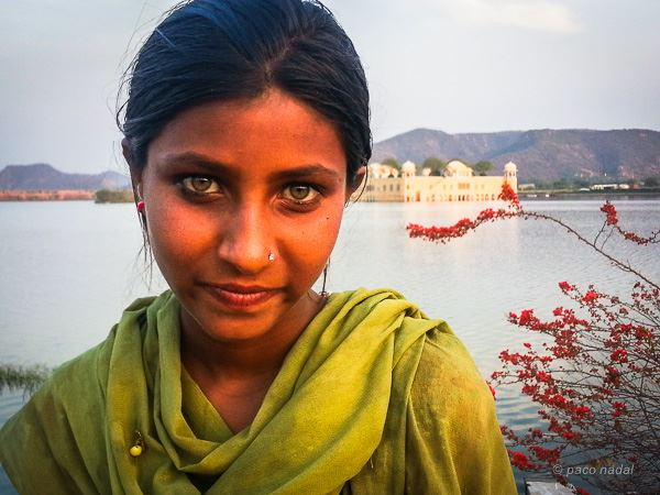 Anyum, la niña-maga de ojos verdes que siempre será pobre