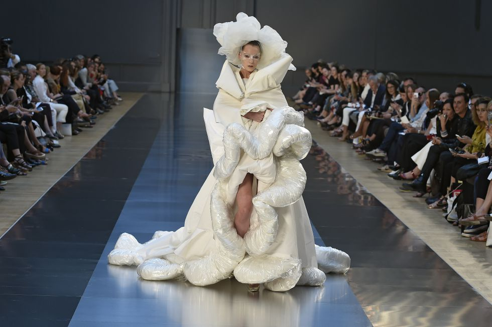 fotos: la moda 'agénero' llega a la alta costura | estilo | el paÍs