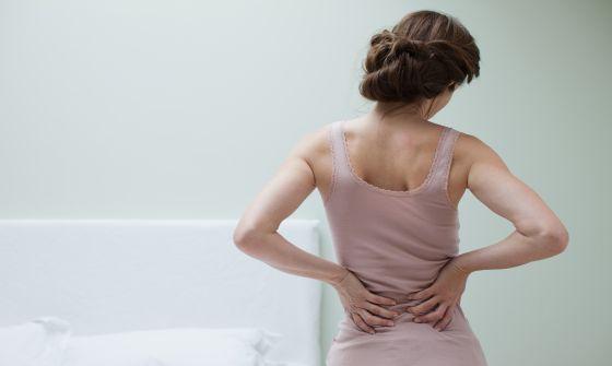 dolor de huesos de la cadera y micción frecuente