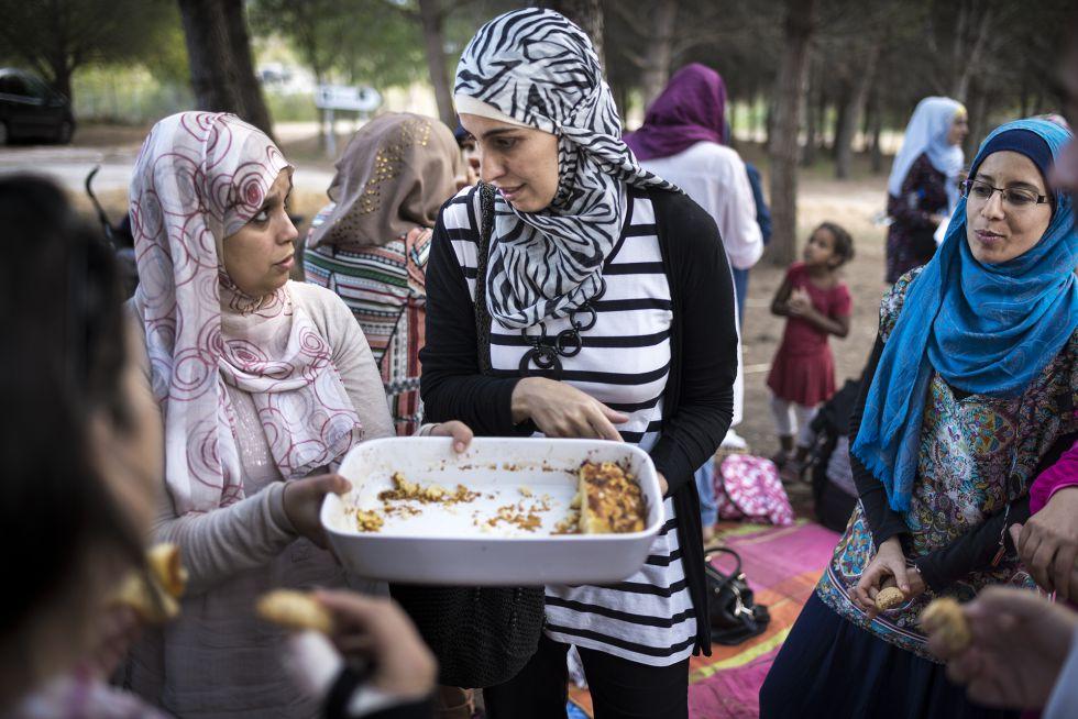 examina los musulmanes y los musulmanes Muslima Muslima búsquedas