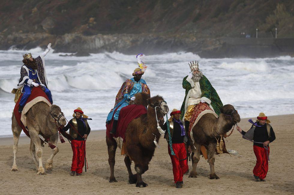 Fotos Cabalgata Reyes Magos La Magia De Oriente Recorre Las Calles
