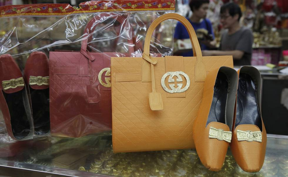 Bolsos de Gucci como ofrenda a los difuntos chinos  1fd489d501e