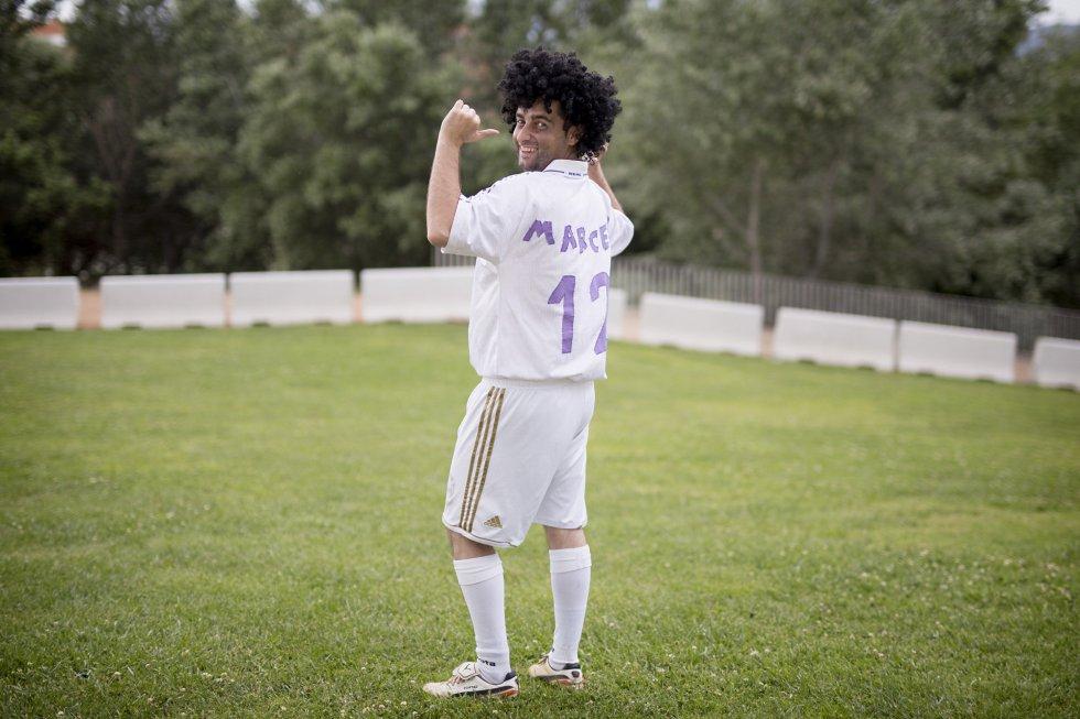 Dani Sánchez, Badajoz. Se casa el 25 de Junio de 2016. Los amigos lo han disfrazado del jugador del Real Madrid, Marcelo, debido a su afición a este club.