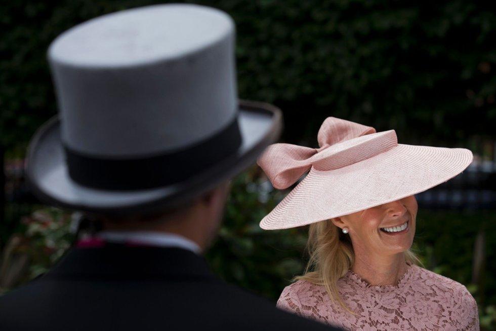 4947b5bcf2ff5 Toby Melville REUTERS  No todo son estridencias y sombreros imposibles.  Algunas de las asistentes se decantan por las