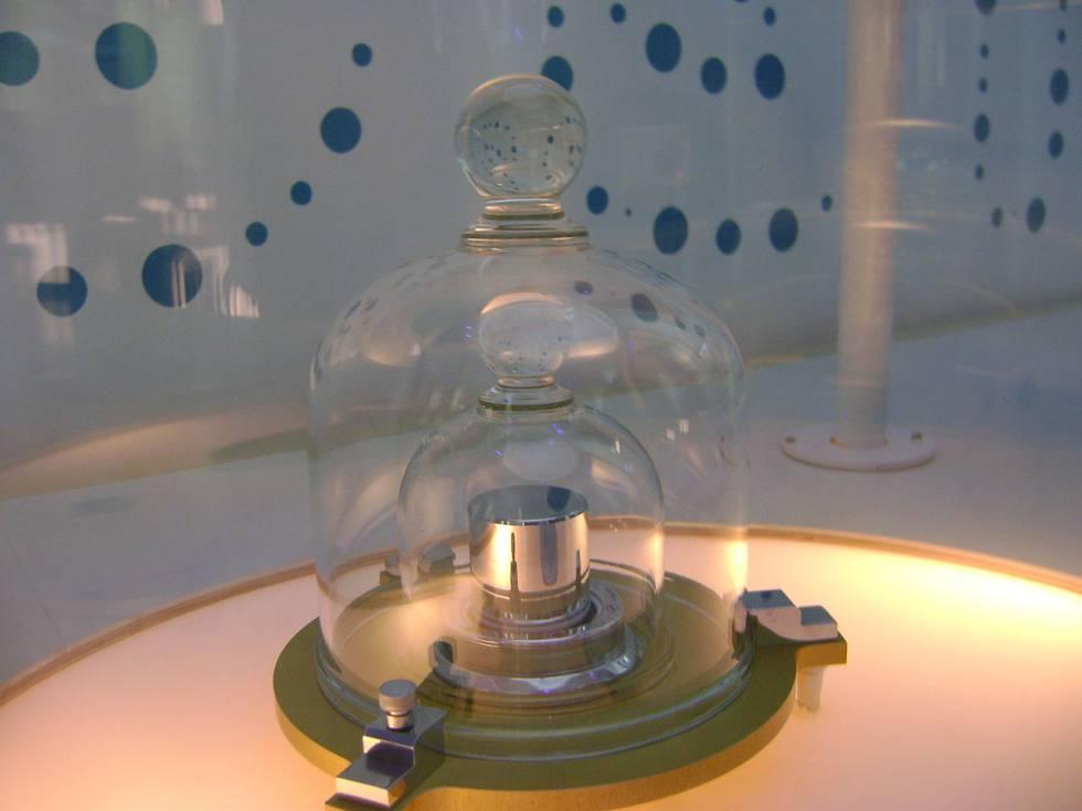 4bb8bca91d61 Una réplica del prototipo del kilo