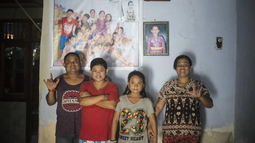 Indonesia: El pueblo que aprendió la lengua de signos para hablar ...