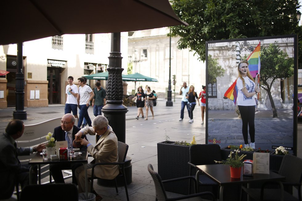 Fotos Lgbt Rights In Spain Controversy Erupts In Seville Over Gay Pride Photo -5604