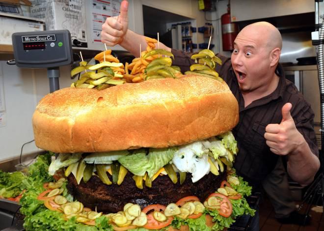 La hamburguesa de 86 kilos y otras locuras de la comida 'yanqui'    Tentaciones   EL PAÍS
