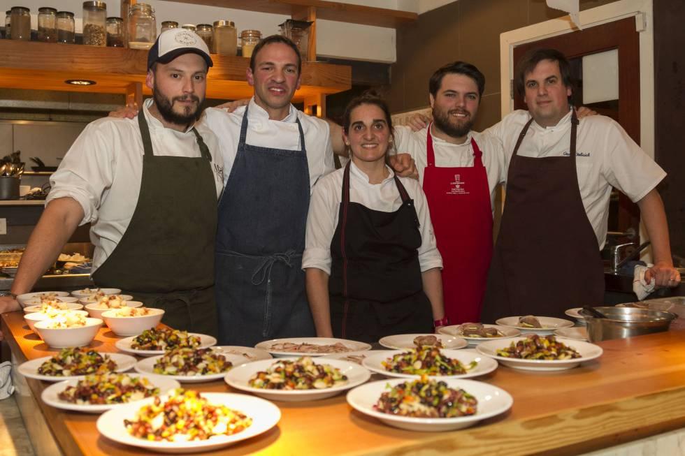 La cocina se mueve en uruguay estilo el pa s for Superficie cocina