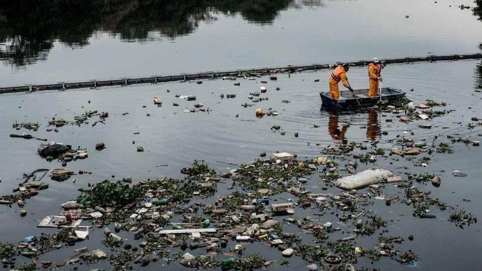 La contaminaci n aumenta en la mayor a de los r os de for Plastico para impermeabilizar lagunas