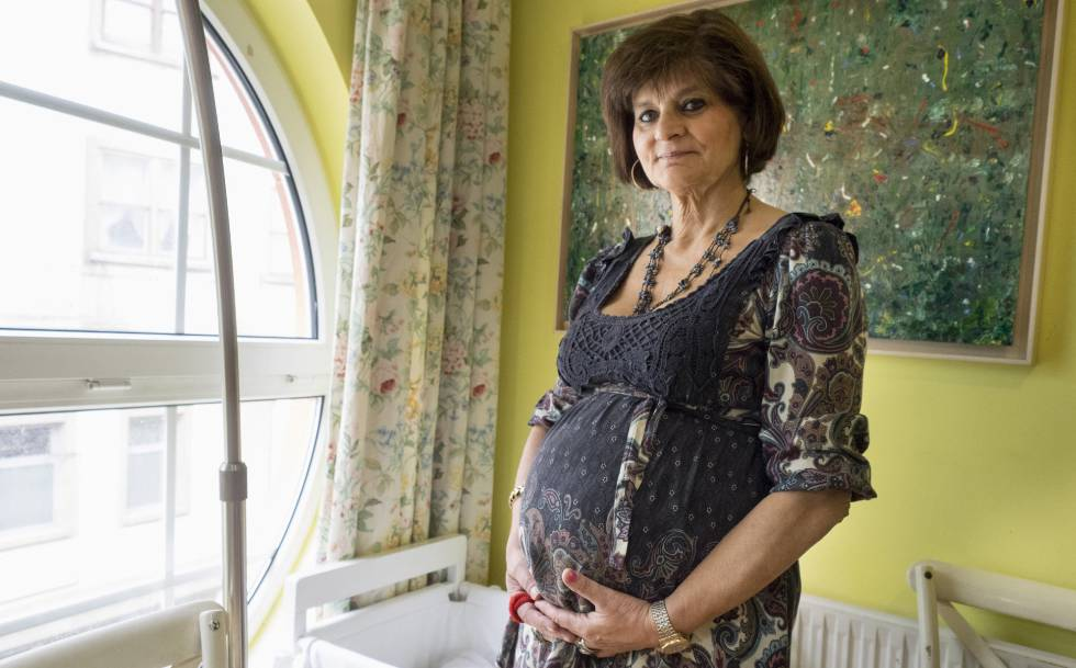 fbe50fe4a Ser madre mayor  riesgos y ventajas