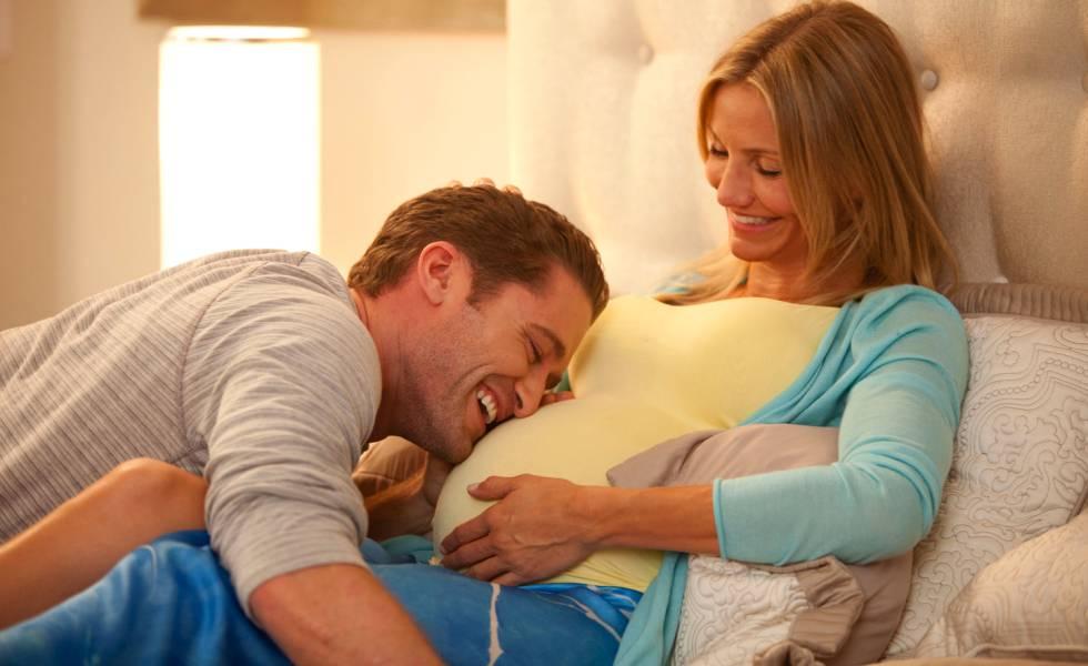 """f35721983 Es el dilema de muchas parejas que buscan un hijo  ¿cómo planificar el sexo   """"La calidad del semen se optimiza cuanto más se eyacula  aumenta el  movimiento ..."""