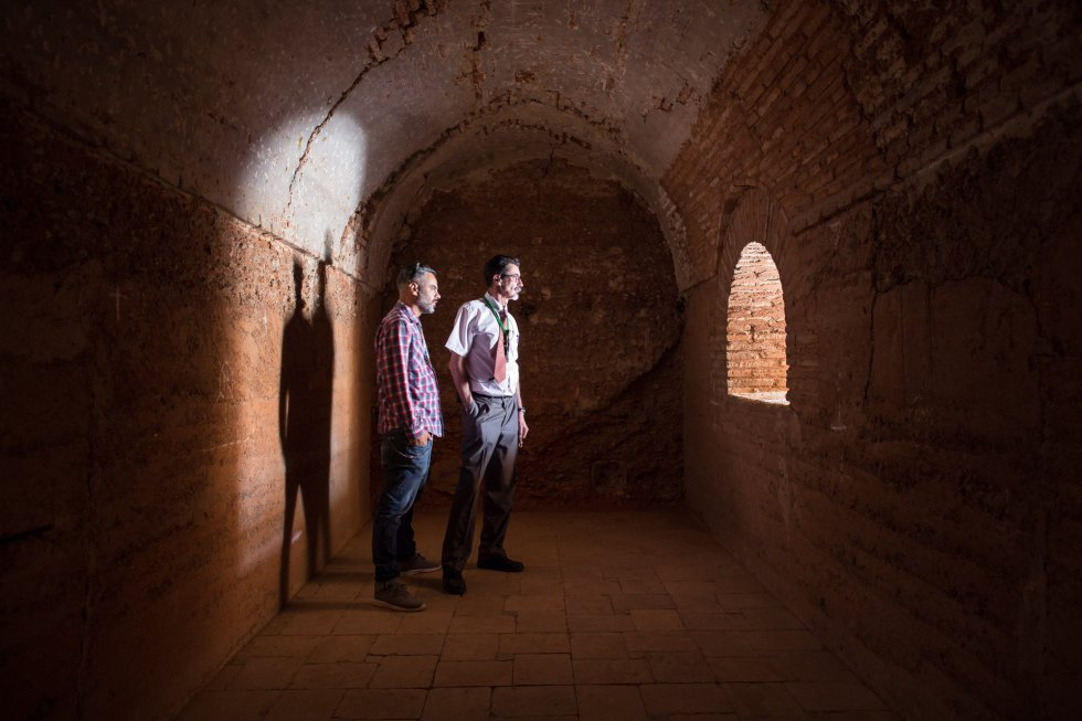 Galerías bajo los palacios que servían para la defensa del sultán.
