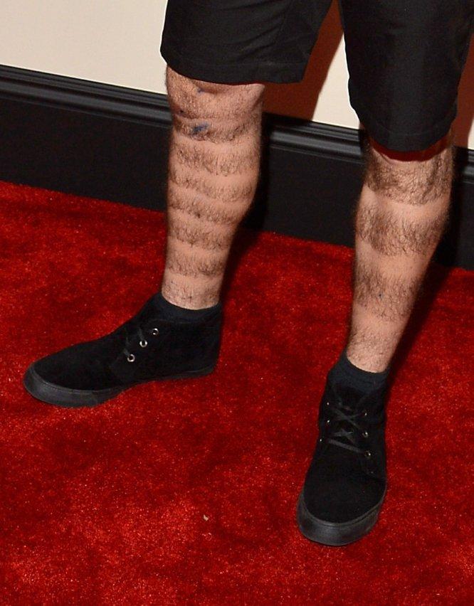 cortos unos unos un a negros pantalones Getty; negros original zapatos con buscas toque darle ¿Que wC7TqAz