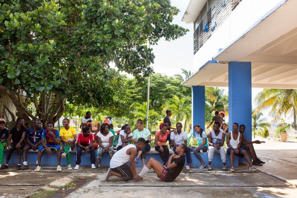 Fotos: La escuela cubana que enseña medicina al mundo | Planeta ...