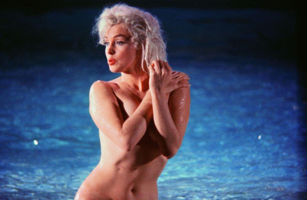 El fotógrafo Lawrence Schiller realizó una de las últimas sesiones de fotos de Marilyn Monroe antes de morir. Las imágenes fueron tomadas durante el rodaje de 'Something's got to give', película de la que la actriz fue despedida y luego readmitida, pero su repentino fallecimiento dejó inacabado el filme. Para el recuerdo, las fotografías más sensuales y naturales de una leyenda del cine.