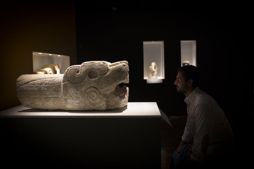 Serpiente de Chchén Itza, en Yucatán. Periodo posclásico temprano, 900 - 1250 d. C.