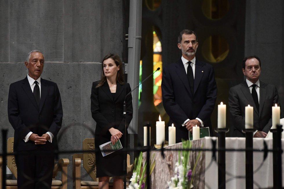Los Reyes participan en la misa en honor de las víctimas del atentado de Barcelona y Cambrils.