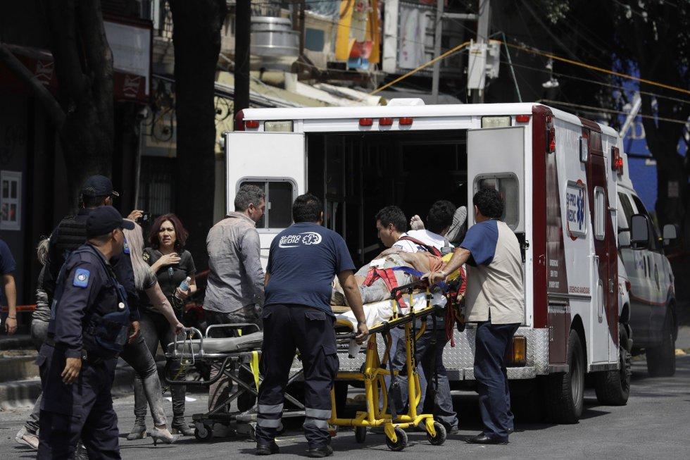Fuerte y destructivo terremoto sacude México 1505847901_811354_1505852588_album_normal