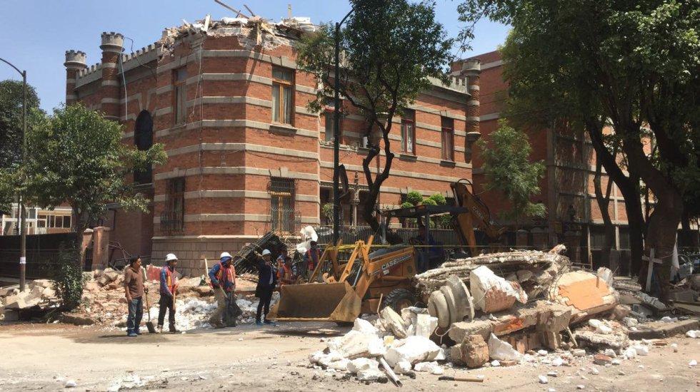 Fuerte y destructivo terremoto sacude México 1505847901_811354_1505852831_album_normal