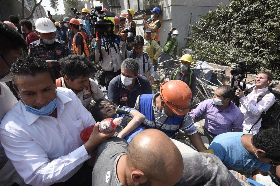 Fuerte y destructivo terremoto sacude México 1505847901_811354_1505854609_album_normal