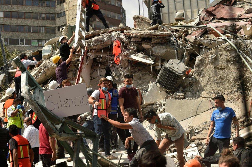 Fuerte y destructivo terremoto sacude México 1505847901_811354_1505857024_album_normal